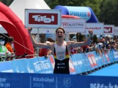 Kitzbuehel-Henry-Ziel-Foto-Triathlonpics-Sven-Christian-Seele-768x573